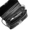 Borsa tracolla con micro borchie bata, nero, 961-6211 - 16
